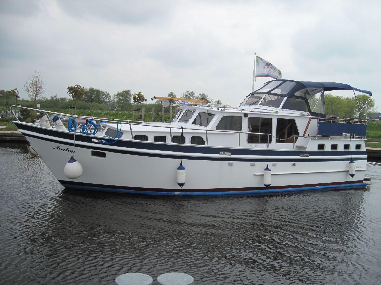 Z Yacht 1