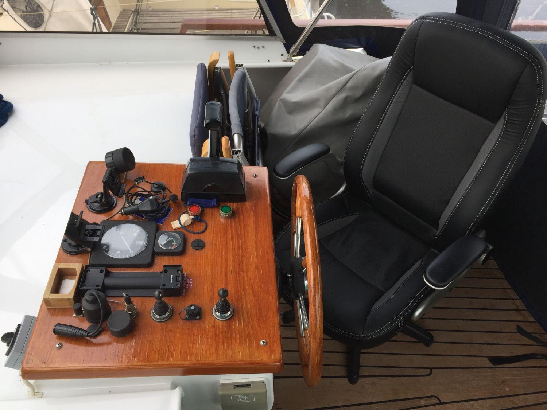 Z Yacht 12