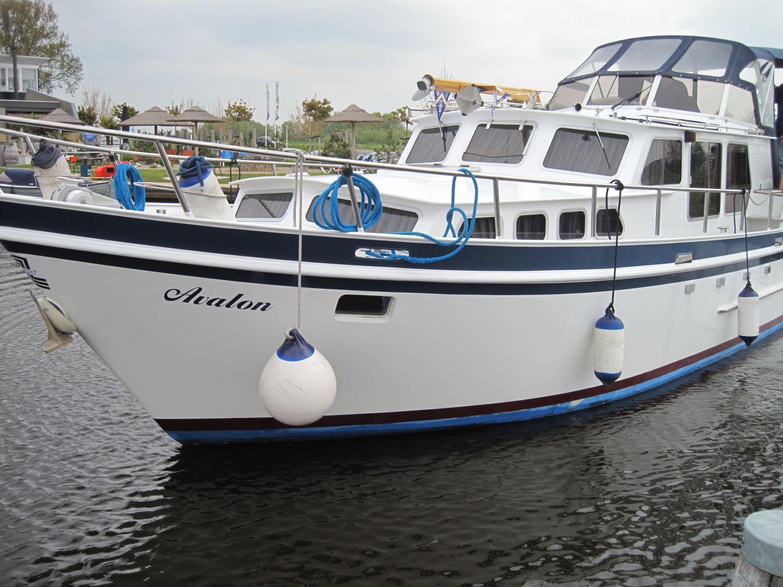 Z Yacht 2