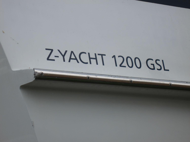 Z Yacht 44