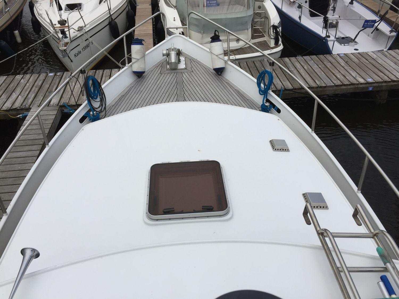 Z Yacht 9